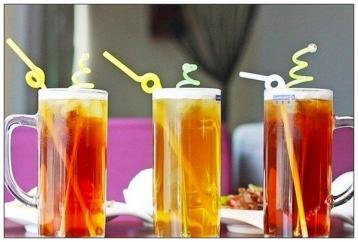 自制简易红茶饮料|泡沫红茶