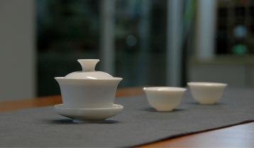 冲泡武夷岩茶适合用什么样的茶具