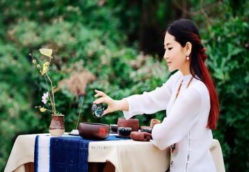 黄茶茶艺表演解说词|黄茶茶道