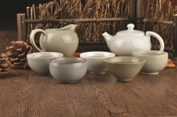 龙泉青瓷首出张晞大师柴烧茶具|茶具资讯