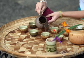 """竹筒茶—""""竹""""与""""茶""""的完美结合"""