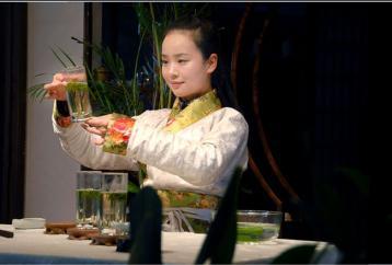 安吉白茶冲泡之茶艺展示