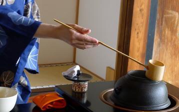 日本茶道图:抹茶茶道演示