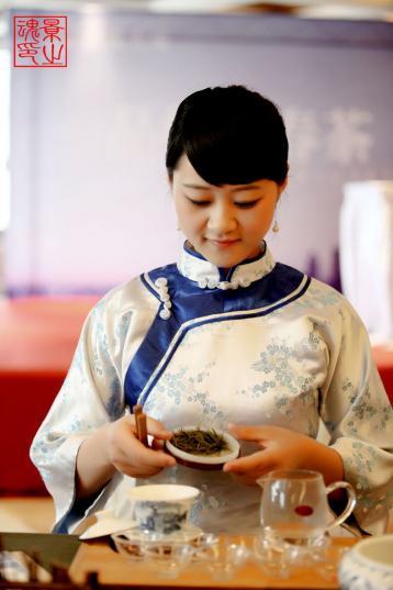 茶艺师表演绿茶茶艺|绿茶茶艺图片