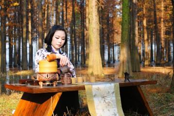 林间煮茶摄影
